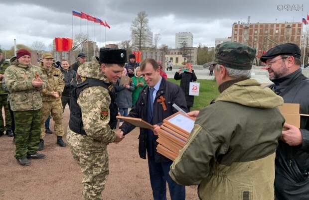 Накануне Дня Победы депутат Вострецов напутствовал юных петербургских поисковиков