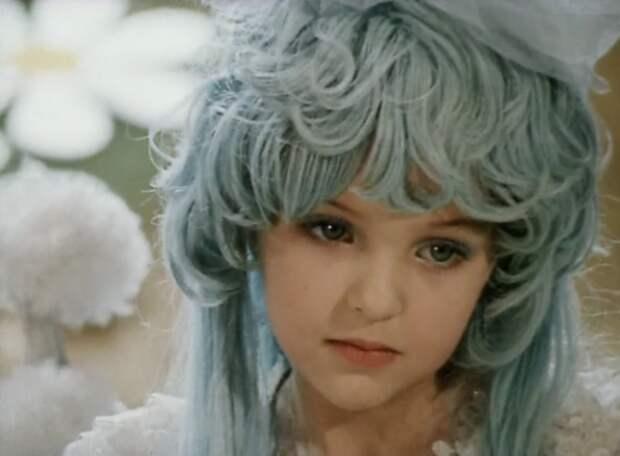 Как выглядит сейчас прелестная Мальвина и как она менялась с течением времени.