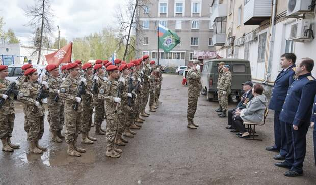 В Башкирии возле дома 94-летнего ветерана войны состоялся персональный парад