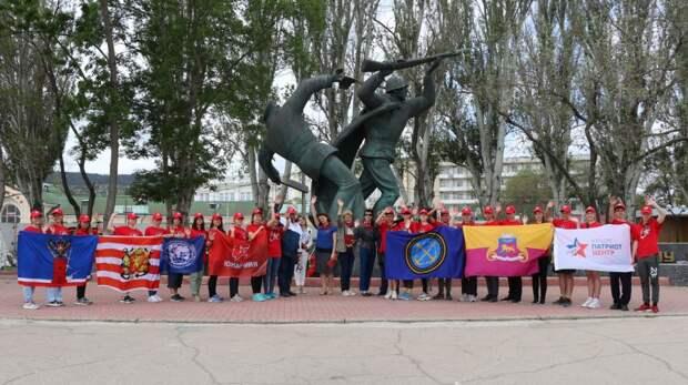 Феодосия встретила участников похода «Юнармейская миля — 2021»
