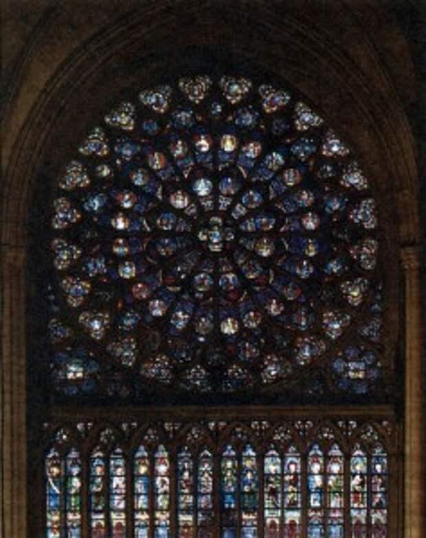 Витражи северной стороны собора изнутри