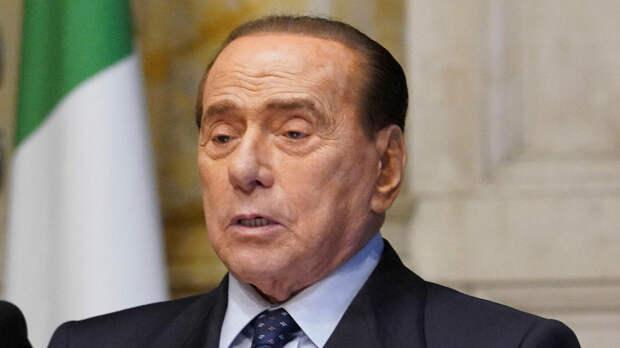 Берлускони выписали из больницы в разгар слухов об ухудшении здоровья