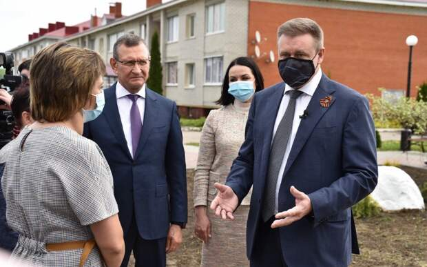 В посёлке Александро-Невский губернатор Николай Любимов встретился с активистами ТОС