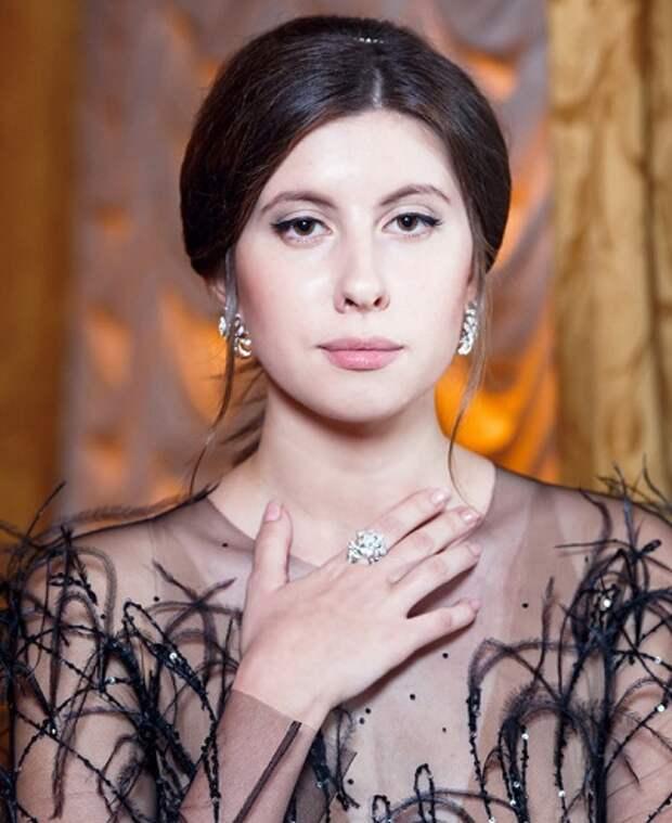 Юные дочки российских звезд, затмившие родителей