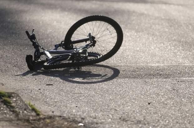 13-летнюю велосипедистку в Тверской области сбила машина