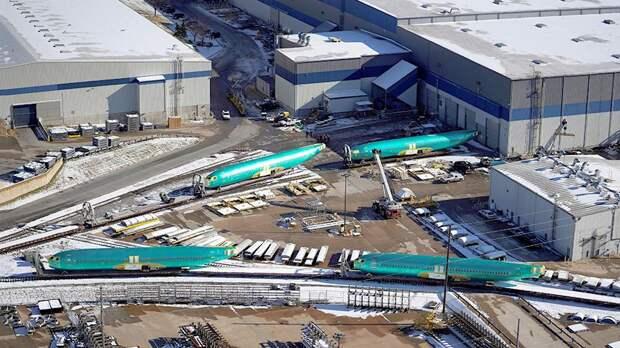 Поставщик деталей Boeing 737 MAX уволит почти три тыс. сотрудников