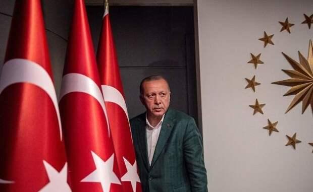 Турция нищает, Эрдоган теряет рейтинг: «Такое могло случиться лишь ввоенное время»