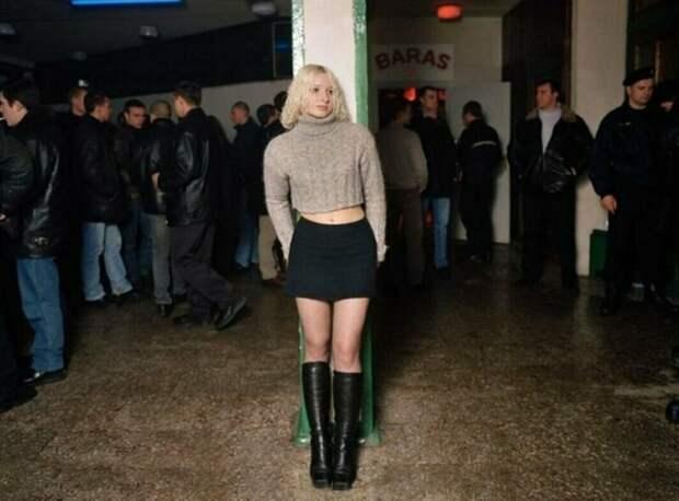 1. Люди на фото отличаются от тех, кого мы привыкли видеть сегодня у ночных клубов СССР, дискотеки, лихие 90-е, танцы ссср, фото
