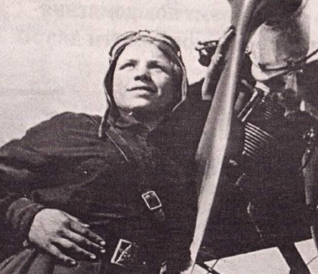 Екатерина Зеленко— единственная вистории авиации женщина, совершившая таран