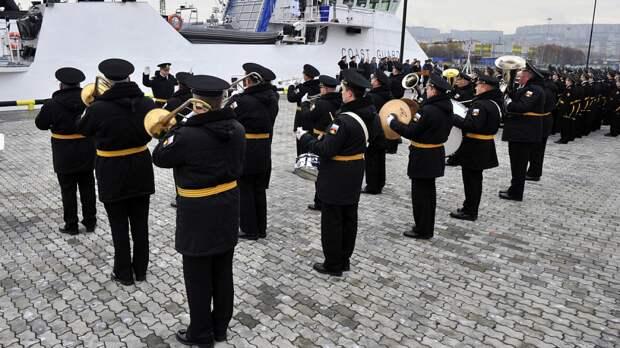 Минобороны Эстонии уволило единственный военный оркестр ради экономии бюджета