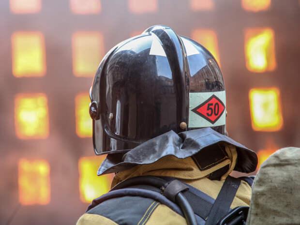 Пожарные на пятые сутки полностью справились с огнем в здании «Невской мануфактуры»