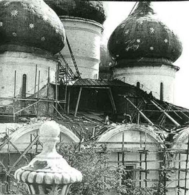 Процесс реставрации Успенского собора