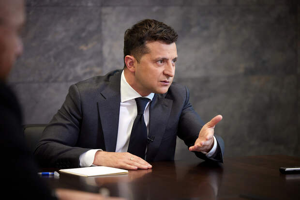 Президент Украины Владимир Зеленский пожаловался на условия МВФ