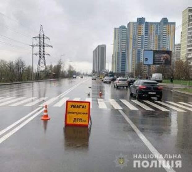 Водитель маршрутки в Киеве сбил насмерть женщину возле перехода