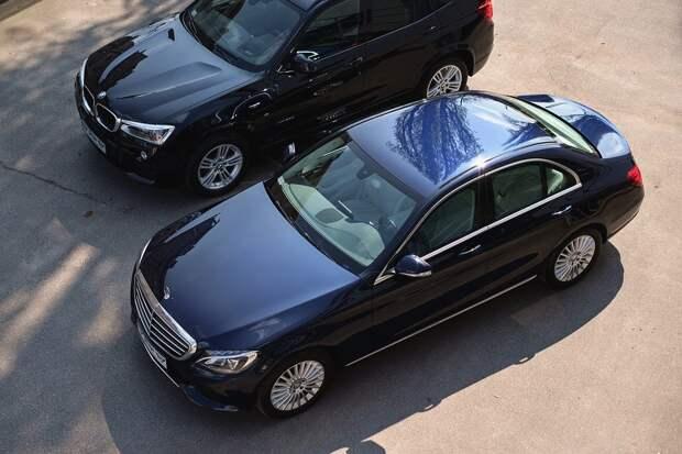 Нестабильность рубля заставляет россиян раскупать автомобили