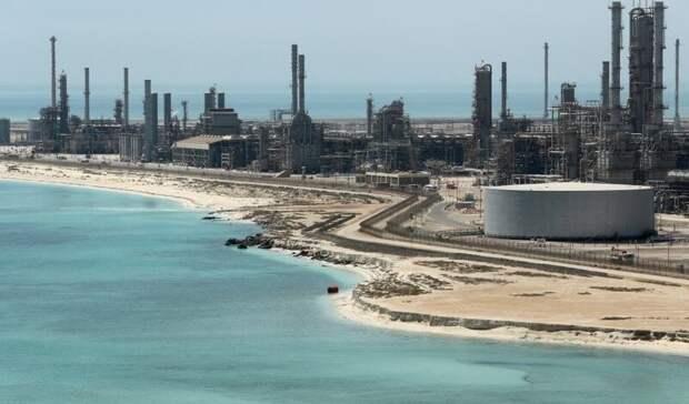 Саудовская Аравия подняла цены нанефть для покупателей изАзии