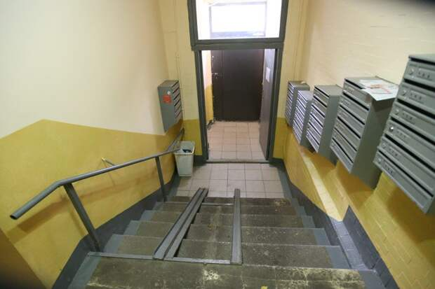 В доме на улице Кулакова устранили причину сквозняков