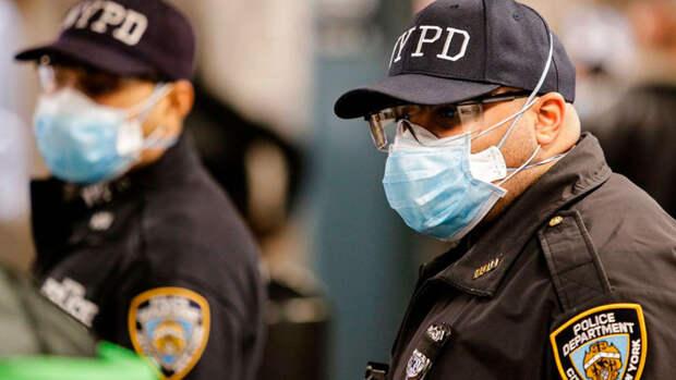 ЛГБТ-сообщество Нью-Йорка запретило полицейским участвовать в своих парадах