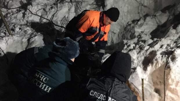 """Один человек погиб при сходе лавины на зимней автодороге """"Яна"""" в Якутии"""