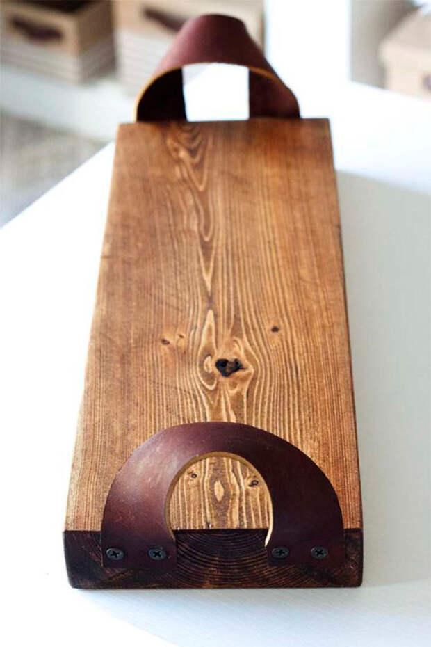 Сервировочная доска из деревянной доски