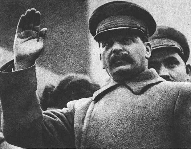 Споры о Сталине. Лучший друг физкультурников или кровавый тиран?