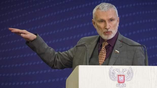 Депутат ГД Журавлев пообещал взять на контроль обращения жителей Псковской области