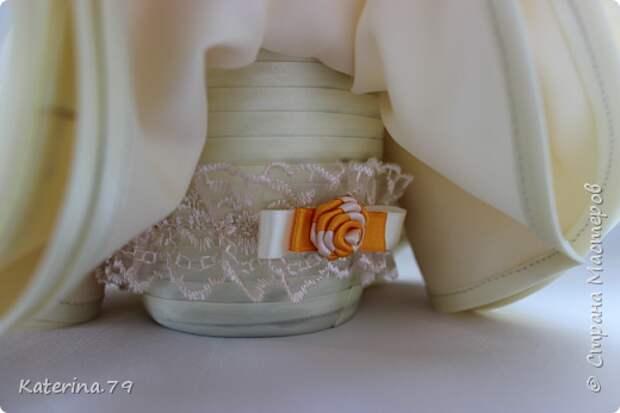 Декор предметов Мастер-класс Поделка изделие Свадьба Моделирование конструирование Шитьё Бутылочки жених и невеста как я делаю пушистую юбку для невесты  Бусины Бутылки стеклянные Ткань фото 19