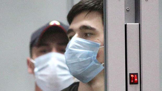 Вину признал, с арестом согласен: устроивший стрельбу в казанской школе взят под стражу