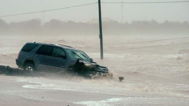 Будто прокляли: Индия под ударом разрушительной стихии (ФОТО, ВИДЕО)