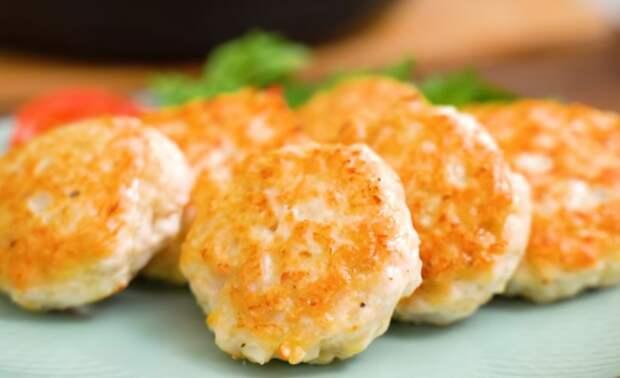 Есть куриное филе? Рецепт за 15 минут: вкусные рубленые котлеты без мясорубки