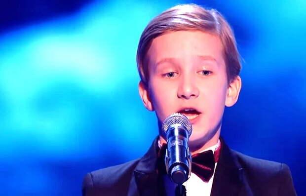 """Мальчик с голосом в 4,5 октавы, к которому не повернулись в отечественном """"Голос. Дети"""", покорил английский """"The Voice Kids"""""""