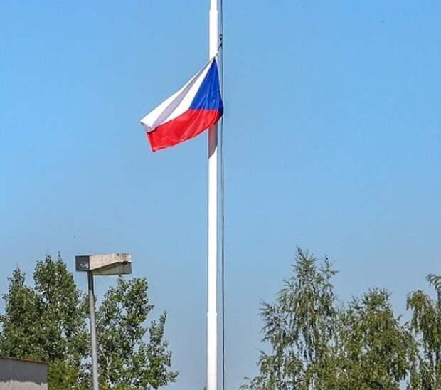 Премьер Чехии заявил о необходимости «успокоить разогретые эмоциями» отношения с Россией