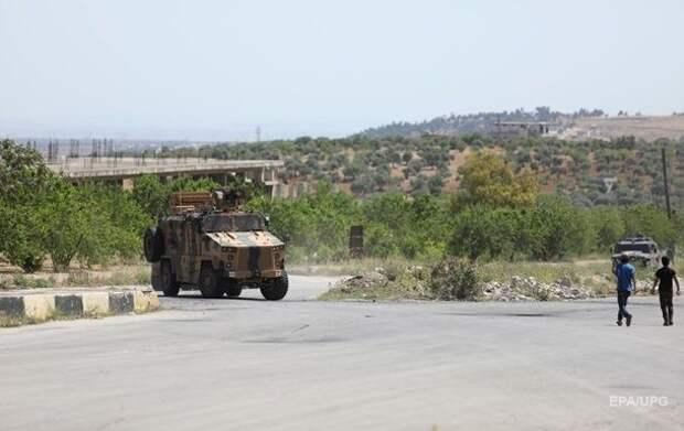 В Сирии российские военные на БТР протаранили патруль США
