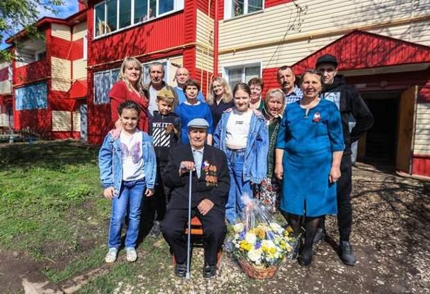 Волонтеры помогли ветерану найти могилу брата