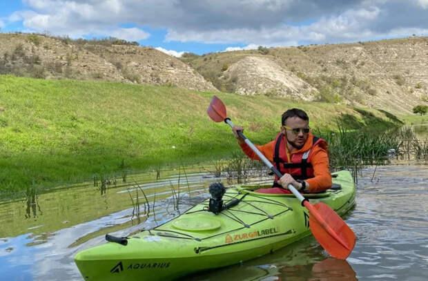 Блогер проплыл по бурлящей реке Реут в Старом Орхее