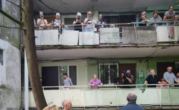 Ситуация с подтоплениями домов на улицах Кривошты и Вергасова под контролем, - власти Ялты
