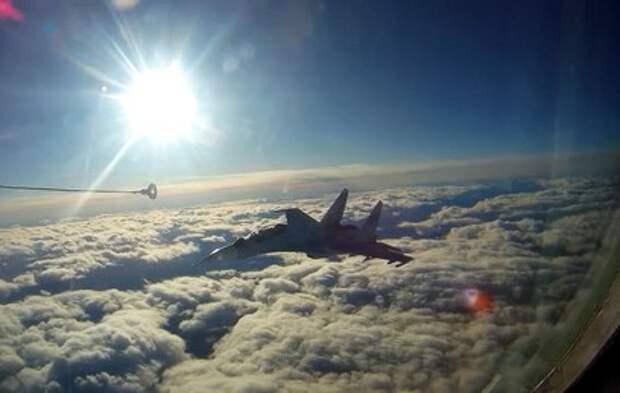 Летчики в Хабаровском крае отработали сложный маневр в воздухе