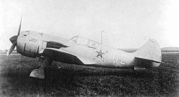 Боевая служба Ла-11 - последнего поршневого истребителя СССР