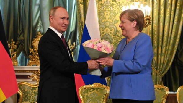 Константин Косачев: Ангела Меркель приехала в Москву явно не в роли «хромой утки»