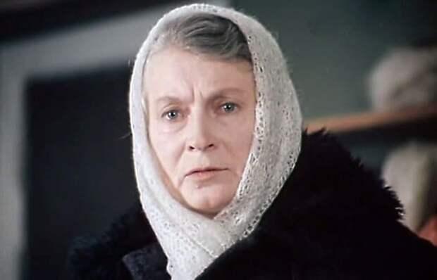Как лучшая мама советского кино лишилась единственного сына: Несчастливая судьба одной из самых снимаемых в СССР актрис Любови Соколовой