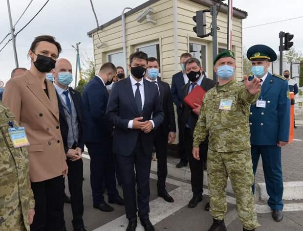 Спикера литовского парламента на Украине привели к российской границе