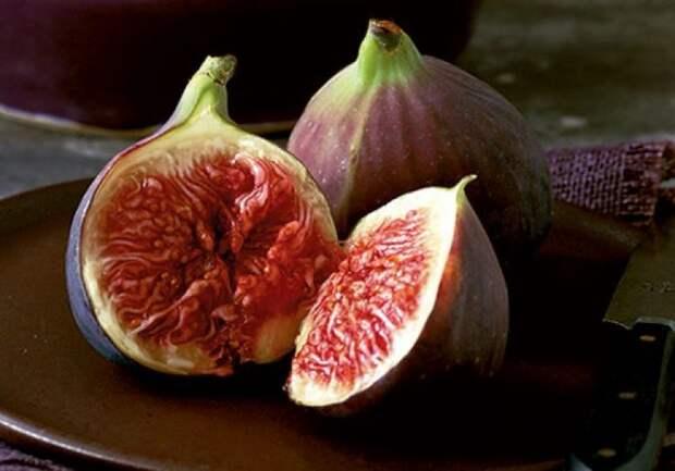Инжир — невероятно полезный продукт, один из самых щелочных фруктов. Польза инжира