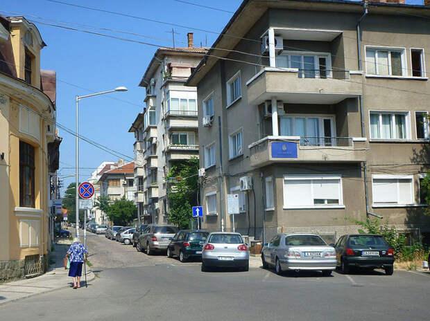 «Зашли - ужаснулись»: апартаменты россиян в Болгарии массово заплесневели