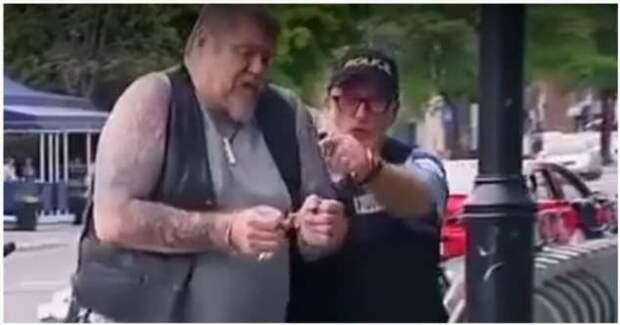 Прохожие внезапно стали подельниками преступника (1 фото + 1 видео)