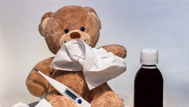 Эксперт: болеешь простудой — не заразишься коронавирусом. Но…