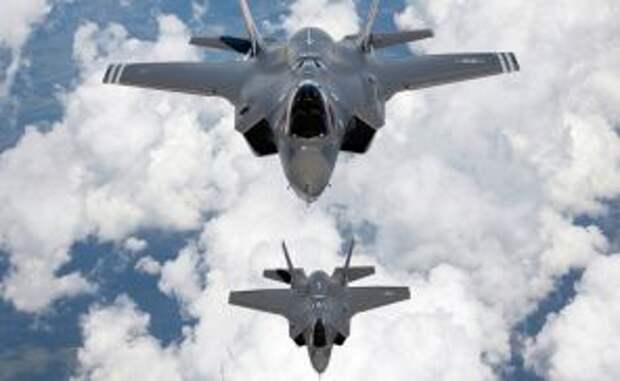 На фото: истребители F-35 A Joint Strike Fighter