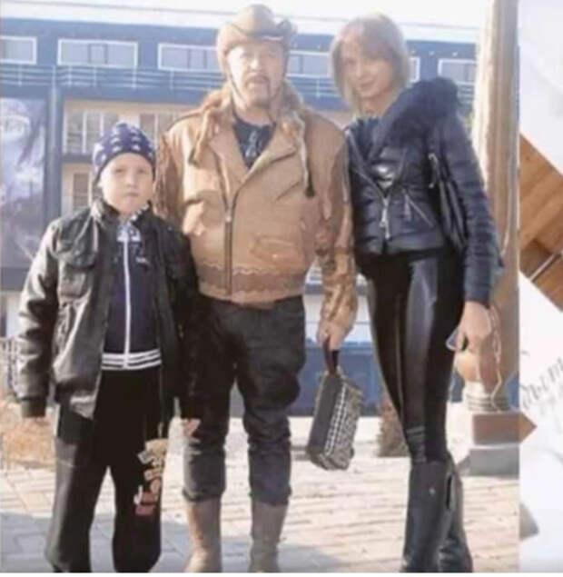 Перед смертью Леонид Борткевич развелся и продал дом. Умирал один в минской квартире