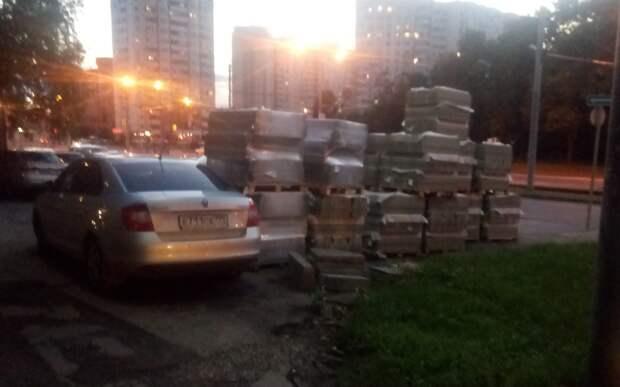 Двор на улице Героев Панфиловцев благоустроят до 25 августа – префектура