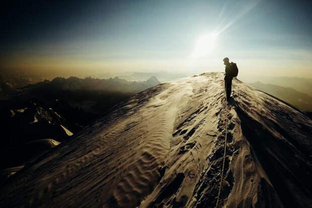 Синоптик заявил, что причиной смерти альпинистов стала «чёрная метель»