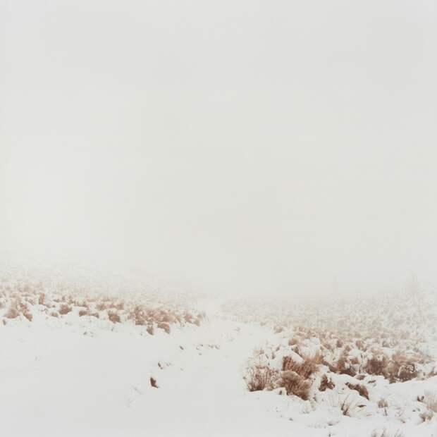 Заснеженная дорога в горах Уинд-Ривер